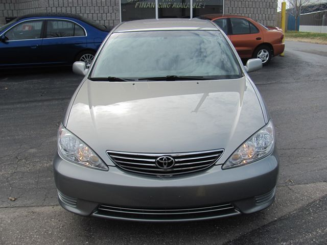 2006 toyota camry le waterloo ontario used car for sale 1626125. Black Bedroom Furniture Sets. Home Design Ideas