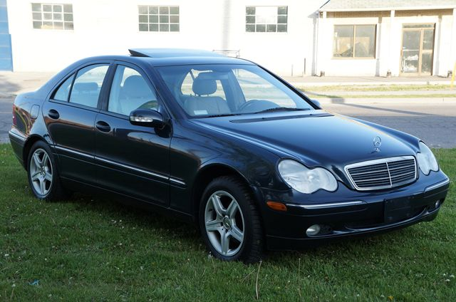 2002 mercedes benz c class classic 4matic sunroof blue nawab motors insidetorontodailies. Black Bedroom Furniture Sets. Home Design Ideas