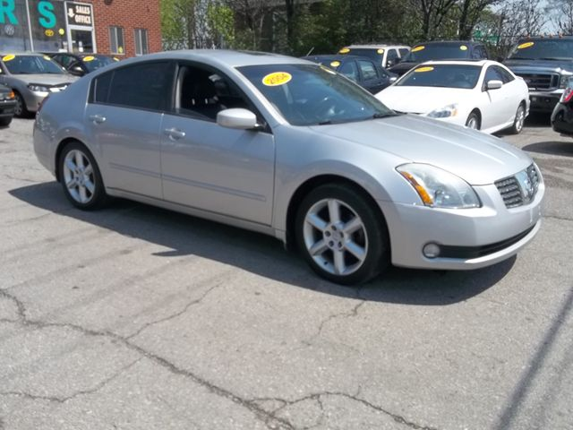 2004 nissan maxima se sl pickering ontario car for sale. Black Bedroom Furniture Sets. Home Design Ideas