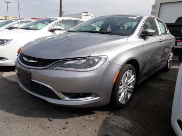 2015 Chrysler 200 Limited Gray >> 2015 Chrysler 200 Limited Grey | VAUGHAN CHRYSLER DODGE