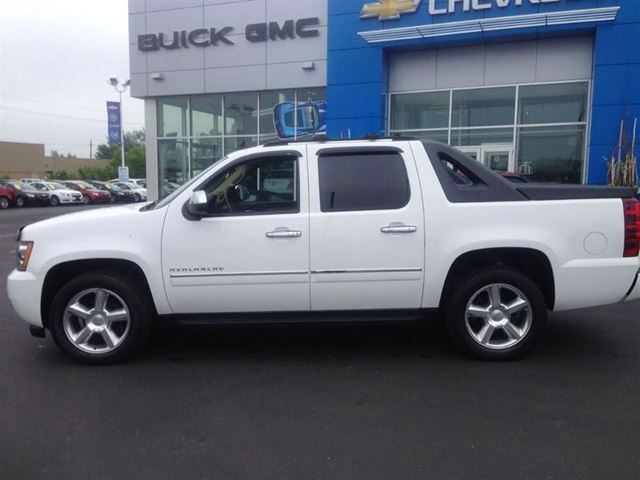 2011 chevrolet avalanche ltz cambridge ontario car for sale 1754298. Black Bedroom Furniture Sets. Home Design Ideas