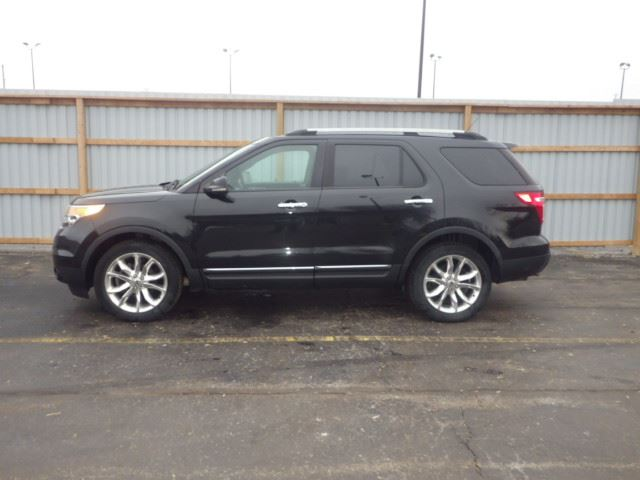 2011 ford explorer xlt black haldimand motors. Black Bedroom Furniture Sets. Home Design Ideas