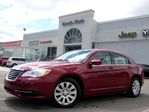 2013 Chrysler 200 LX POWER OPTS KEYLESS ENTRY AUTO GREAT VALUE in Thornhill, Ontario