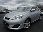 2010 Toyota Matrix XR - SUNROOF - ALLOYS - POWER PKG in Oakville, Ontario