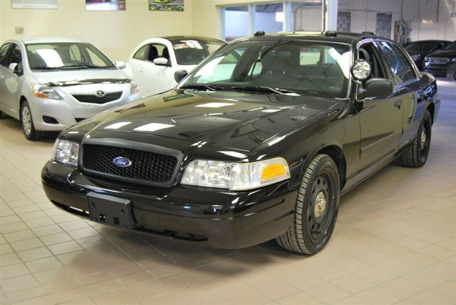 Find Ford Dealership 2011 Ford Crown Victoria SUPER LOW LOW KMS//Fully ...