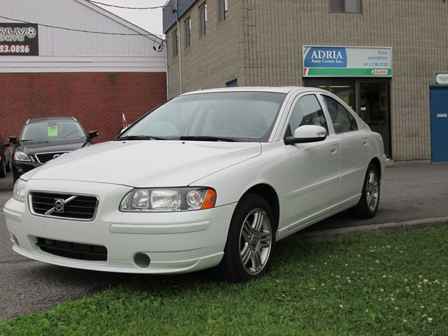 2008 volvo s60 2 5t white adria auto centre. Black Bedroom Furniture Sets. Home Design Ideas