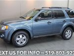 2010 Ford Escape XLT RARE 5-SPD MANUAL! ROOF RACK! ALLOYS! SUV in Guelph, Ontario