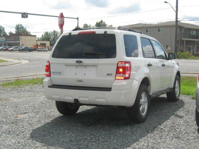 2011 Ford Escape XLT Automatic 4dr 4x4 in Chelmsford, Ontario