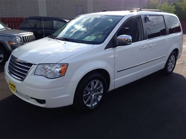 2009 chrysler town country touring white j p motors. Black Bedroom Furniture Sets. Home Design Ideas