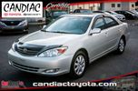 2002 Toyota Camry XLE Cuir Toit Ouvrant in Candiac, Quebec