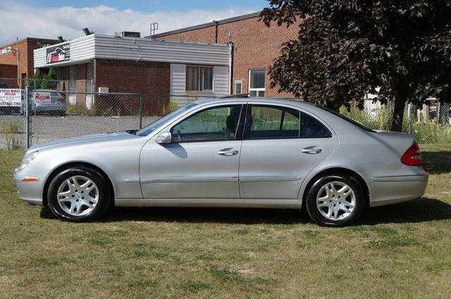 2003 mercedes benz e class e class e320 low km silver for Mercedes benz e class 2003 price