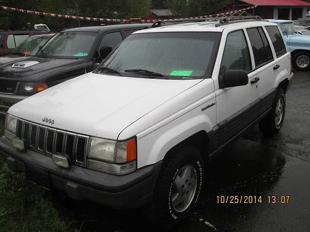 1995 JEEP GRAND CHEROKEE SE 4WD in Koksilah, British Columbia