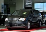 2013 Chrysler Town and Country Touring **CUIR+MAGS** in Brossard, Quebec