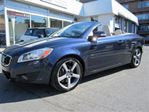 2012 Volvo C70 T5 level 3( !! 68000KM. NAVIGATION, IMPEC.!! ) in Montreal, Quebec