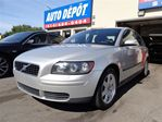 2005 Volvo S40 2.4i M 5 VIT CUIR SIEGES CHAFF in Montreal, Quebec