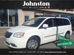 2014 Chrysler Town and Country Touring~Dual Blu-Ray~Sunroof in Hamilton, Ontario