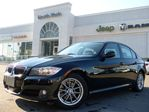 2011 BMW 3 Series 323i SUNROOF MANUAL HTD FRT SEATS POWER OPTS KEYLESS ENTRY in Thornhill, Ontario