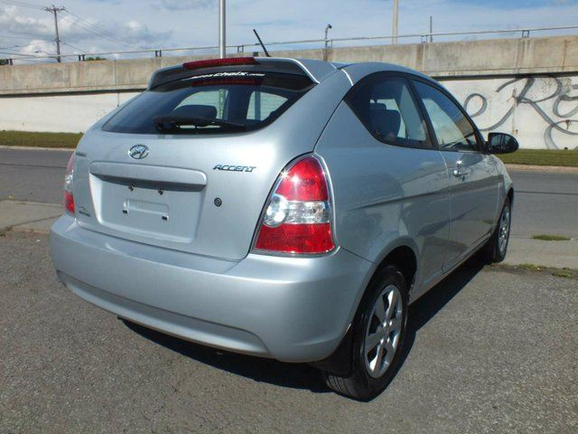 used 2009 hyundai accent l 2dr hatchback longueuil. Black Bedroom Furniture Sets. Home Design Ideas