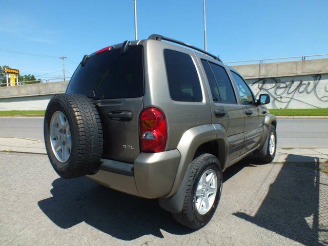 used 2004 jeep liberty sport 4dr 4x4 longueuil. Black Bedroom Furniture Sets. Home Design Ideas