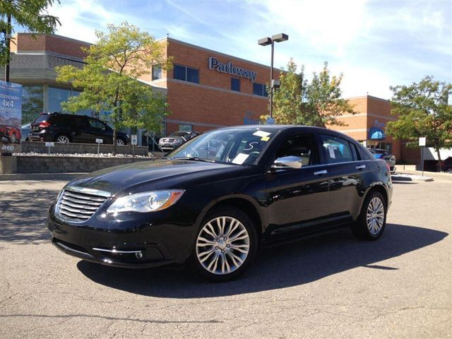 2013 chrysler 200 limited with leather power sunroof. Black Bedroom Furniture Sets. Home Design Ideas