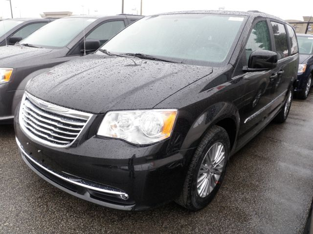 2015 chrysler town and country touring woodbridge ontario new car for sale 1912555. Black Bedroom Furniture Sets. Home Design Ideas