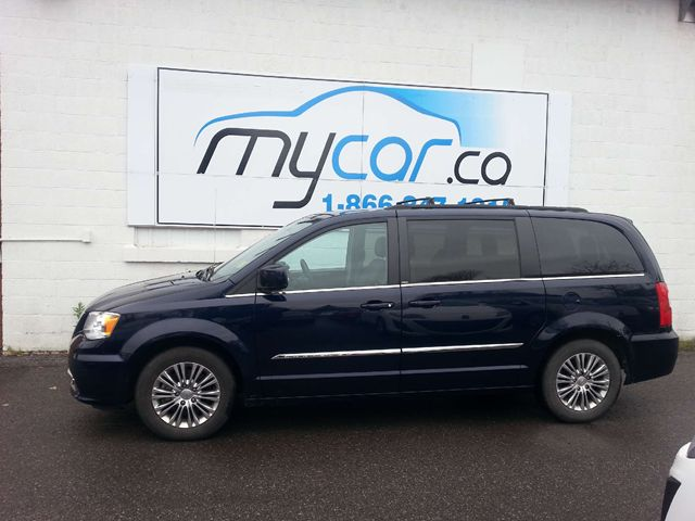 pics photos 2013 chrysler town and country touring. Black Bedroom Furniture Sets. Home Design Ideas