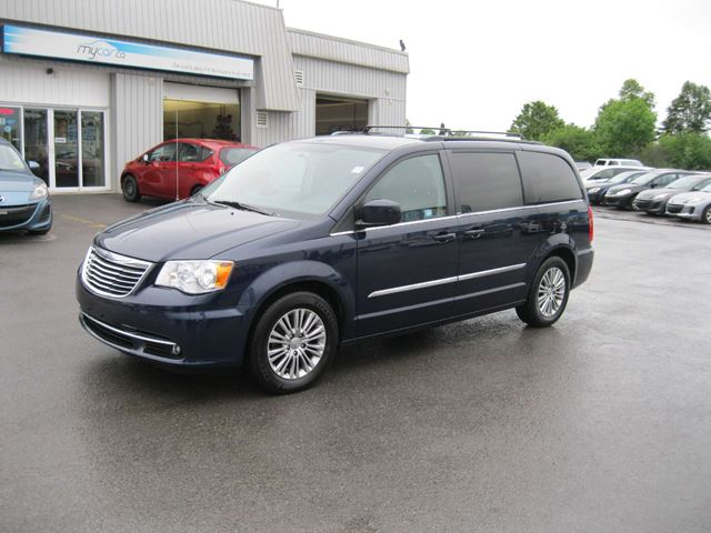 2013 chrysler town and country touring l north bay ontario used car. Cars Review. Best American Auto & Cars Review