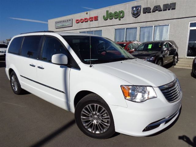 2014 chrysler town and country touring l high river alberta used. Cars Review. Best American Auto & Cars Review