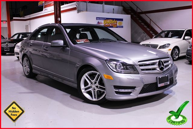 2012 mercedes benz c class c300 4matic navi xenon amg for Mercedes benz c300 4matic 2012