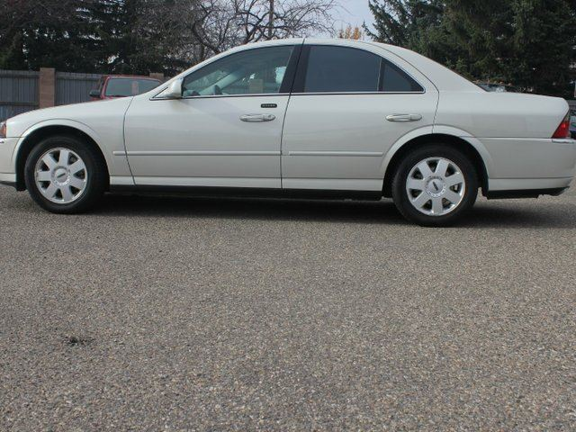2005 LINCOLN LS V6 4dr Sedan in Lethbridge, Alberta