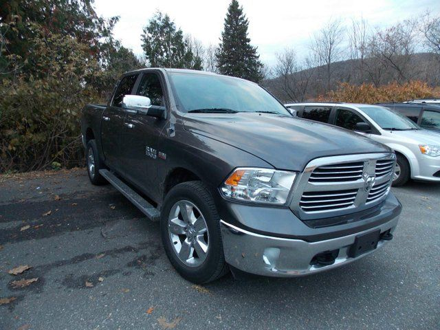 2014 dodge ram 1500 slt 4x4 crew cab huntsville ontario used car for sale 1931136. Black Bedroom Furniture Sets. Home Design Ideas