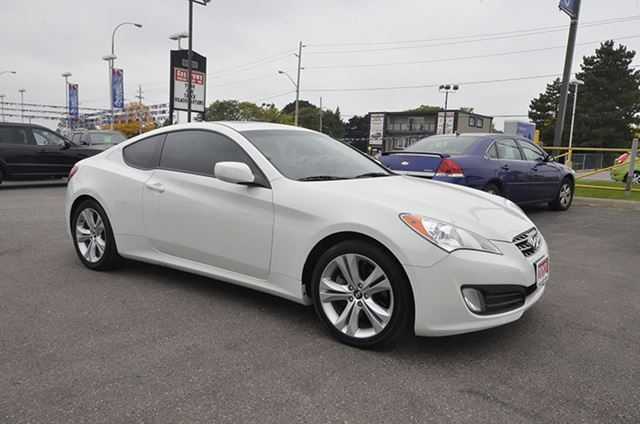 used 2012 hyundai genesis 2 0t premium manual whitby. Black Bedroom Furniture Sets. Home Design Ideas