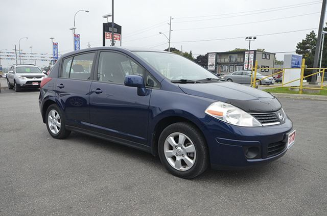 2007 nissan versa 1 8 sl whitby ontario car for sale 1938517. Black Bedroom Furniture Sets. Home Design Ideas