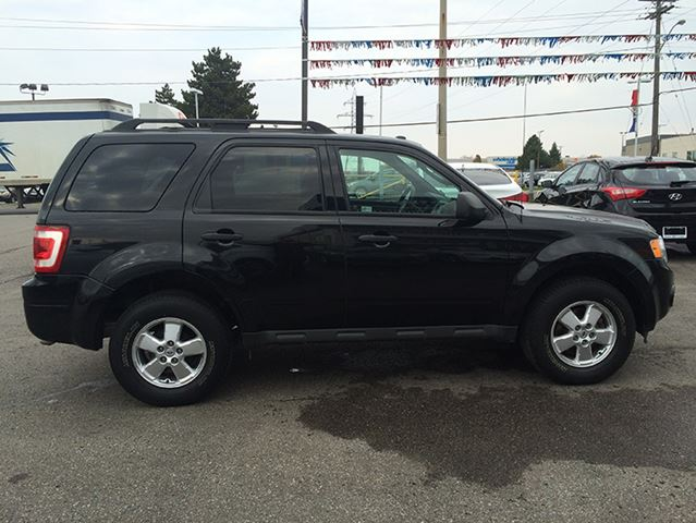 2011 ford escape xlt fwd whitby ontario car for sale 1938548. Black Bedroom Furniture Sets. Home Design Ideas