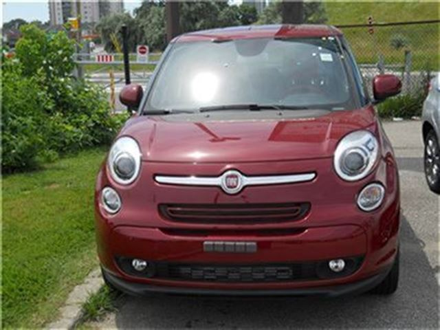 2014 fiat 500l priced to move only 15 995 mississauga ontario used car for sale 1940519. Black Bedroom Furniture Sets. Home Design Ideas