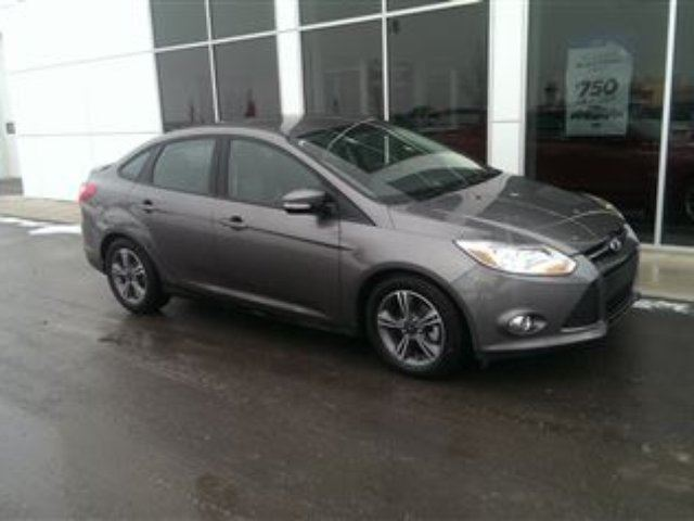 2014 ford focus se automatic cloth seats low mileage great fuel ec high river alberta used. Black Bedroom Furniture Sets. Home Design Ideas