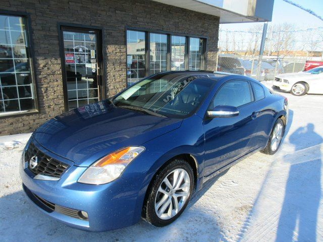 2009 nissan altima 3 5 se 2dr coupe edmonton alberta car for sale 1963333. Black Bedroom Furniture Sets. Home Design Ideas