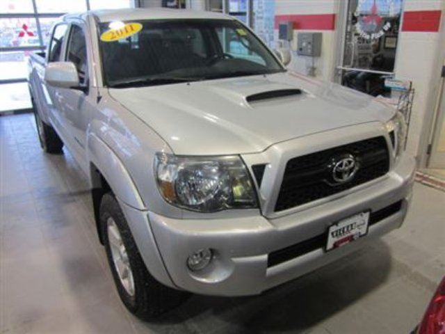 2011 toyota tacoma v6 trd local trade winnipeg manitoba. Black Bedroom Furniture Sets. Home Design Ideas