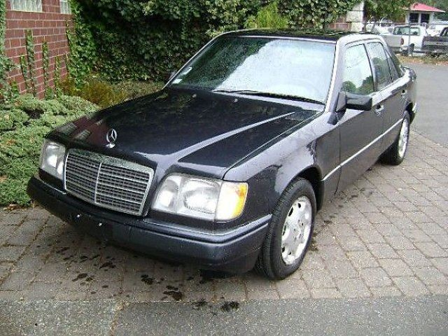 1995 mercedes benz e class e320 koksilah british for Mercedes benz e class 1995