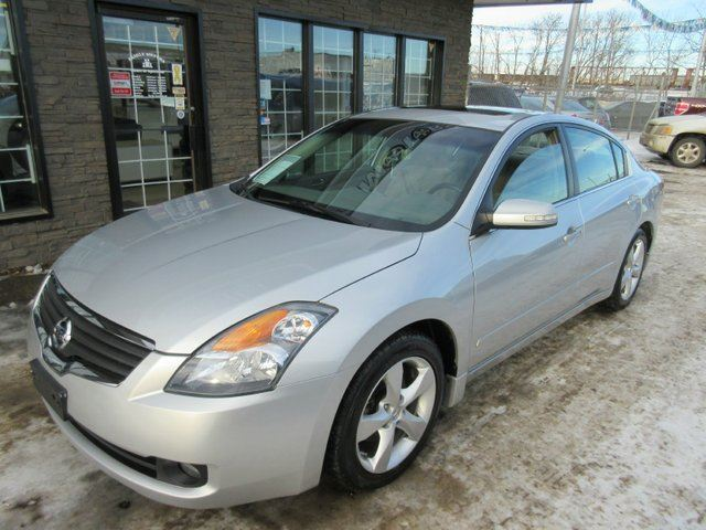 2008 nissan altima 3 5 se 4dr sedan silver family motors. Black Bedroom Furniture Sets. Home Design Ideas