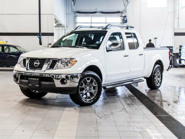 2015 nissan frontier crew cab sl 4x4 white kelowna infiniti nissan. Black Bedroom Furniture Sets. Home Design Ideas