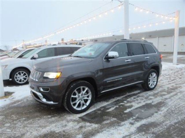 2014 jeep grand cherokee summit saskatoon saskatchewan used car for sale 1985730. Black Bedroom Furniture Sets. Home Design Ideas