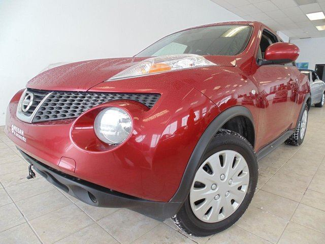 2011 nissan juke sv awd 8 roues int rouge red. Black Bedroom Furniture Sets. Home Design Ideas