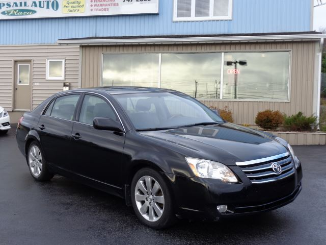 2006 Toyota Avalon XLS in Mount Pearl, Newfoundland And Labrador
