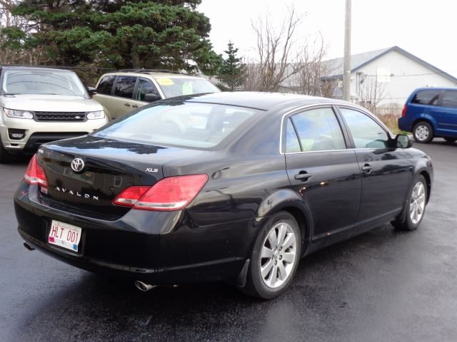 2006 toyota avalon xls mount pearl newfoundland and. Black Bedroom Furniture Sets. Home Design Ideas