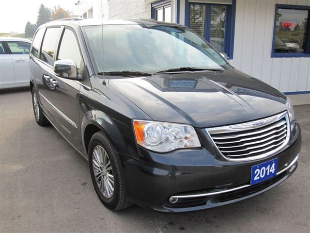 2014 chrysler town country touring l grey arthur. Black Bedroom Furniture Sets. Home Design Ideas