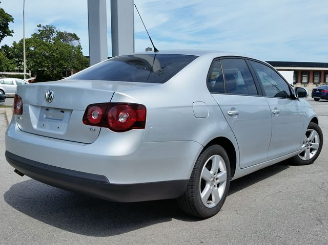 2010 volkswagen jetta 2 0 tdi trendline a6 burlington ontario car for sale 2025453. Black Bedroom Furniture Sets. Home Design Ideas