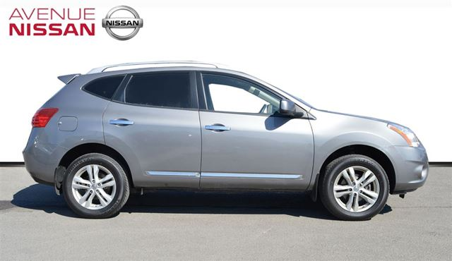 2012 nissan rogue sv toronto ontario used car for sale 2030331. Black Bedroom Furniture Sets. Home Design Ideas