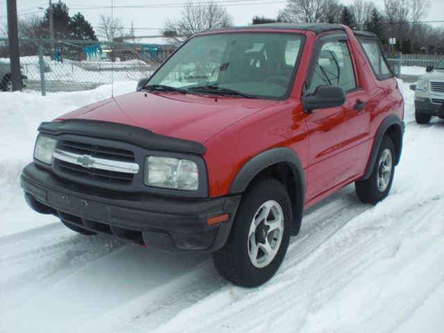 2002 chevrolet tracker 4x4 london ontario used car for. Black Bedroom Furniture Sets. Home Design Ideas