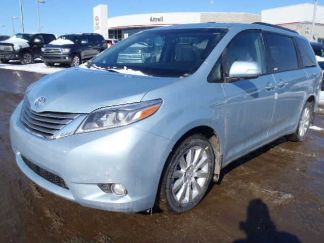 2015 toyota sienna brampton ontario used car for sale. Black Bedroom Furniture Sets. Home Design Ideas